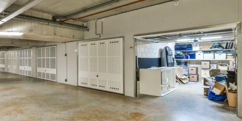 garage door dealers - Supreme Garage Door Repair